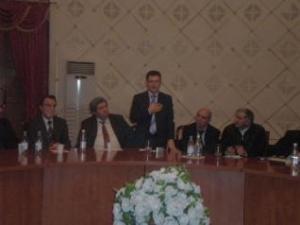 مدير مؤسسة سما يلقي كلمة في المؤتمر