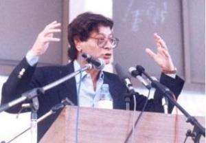 محمود درويش يجمعُ الأدباءَ في - سما كرد
