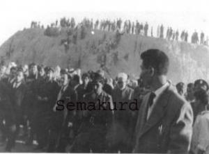 صورة نادرة تُنشر لأوّل مرة - من أرشيف سما كرد . عامودا الستينيات : أربعينية شهداء سينما عامودا