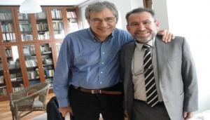 عبد القادر مع الروائي التركي اورهان باموق