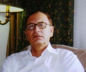 الكاتب و الناقد و الباحث و الشاعر جلال زنكابادي