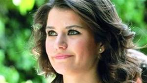 الممثلة التركية بيرين سآت (فاطمة)