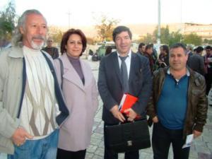 *وصف الصورة من اليمين الى اليسار: فتح الله حسيني، فواز حسين، ناهدة الحسيني، الراحل محمد موكري في مهرجان كلاويز الأخير